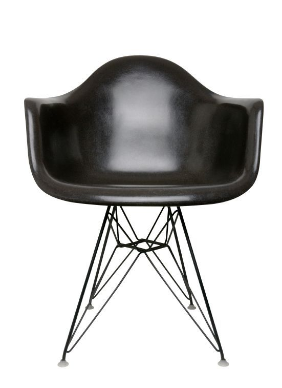 Beau American Designers Charles And Ray Eames Worked And Made Major  Contributions To Modern Architecture And Furniture During Their Life  Together, ...